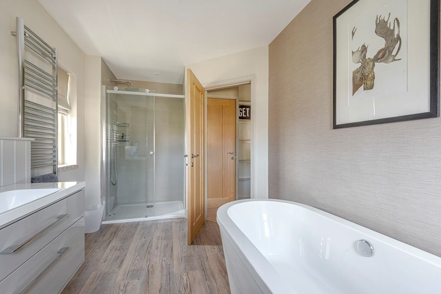 4 Links Court | En-suite 1
