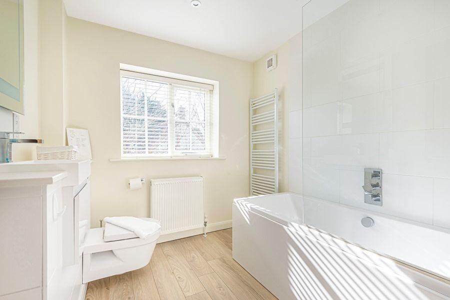 Eastwood House 2 Bedrooms | Bathroom
