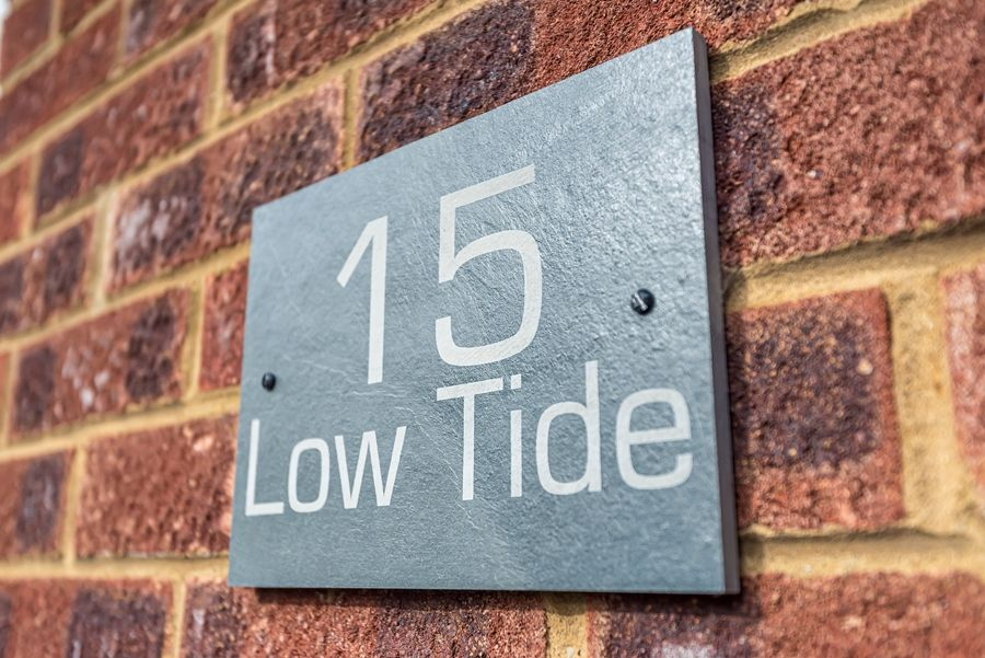 Low Tide | Sign
