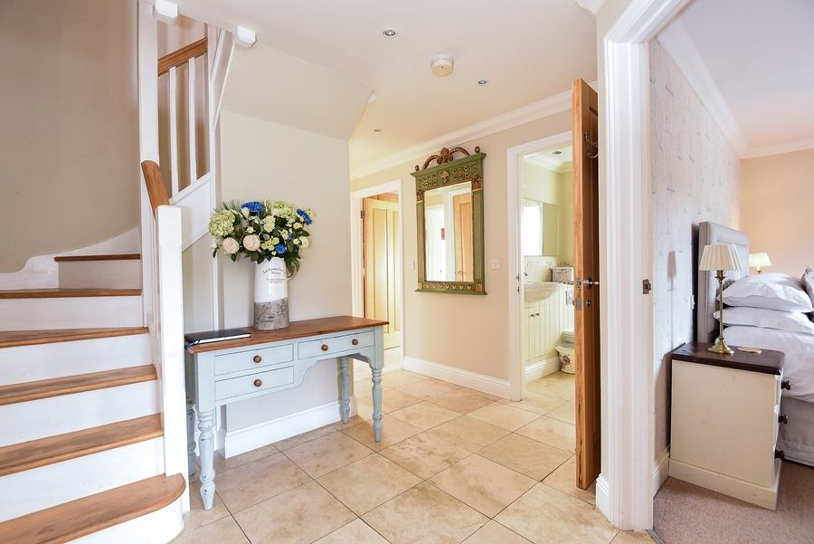 Commodores House 3 bedrooms | Hallway
