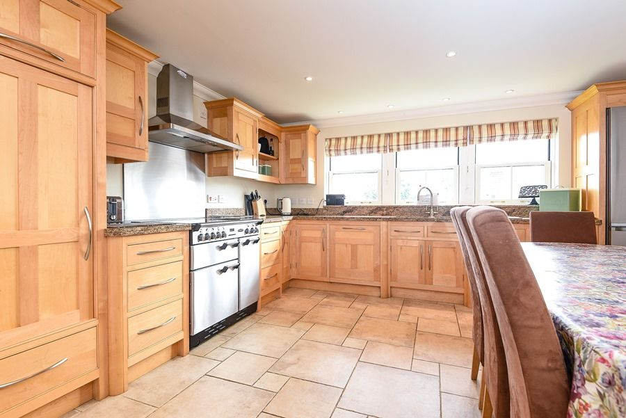 Commodores House 3 bedrooms | Kitchen