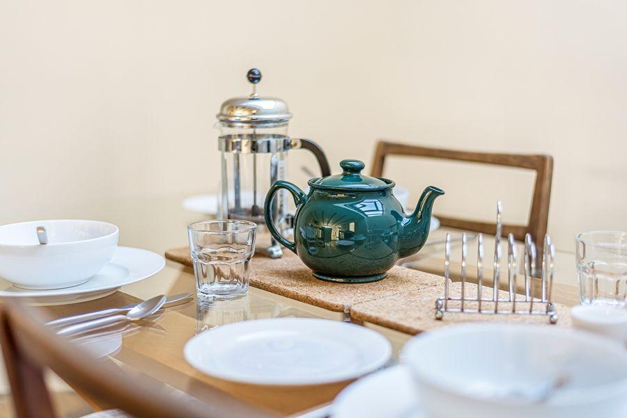 Oak Cottage | Dining table