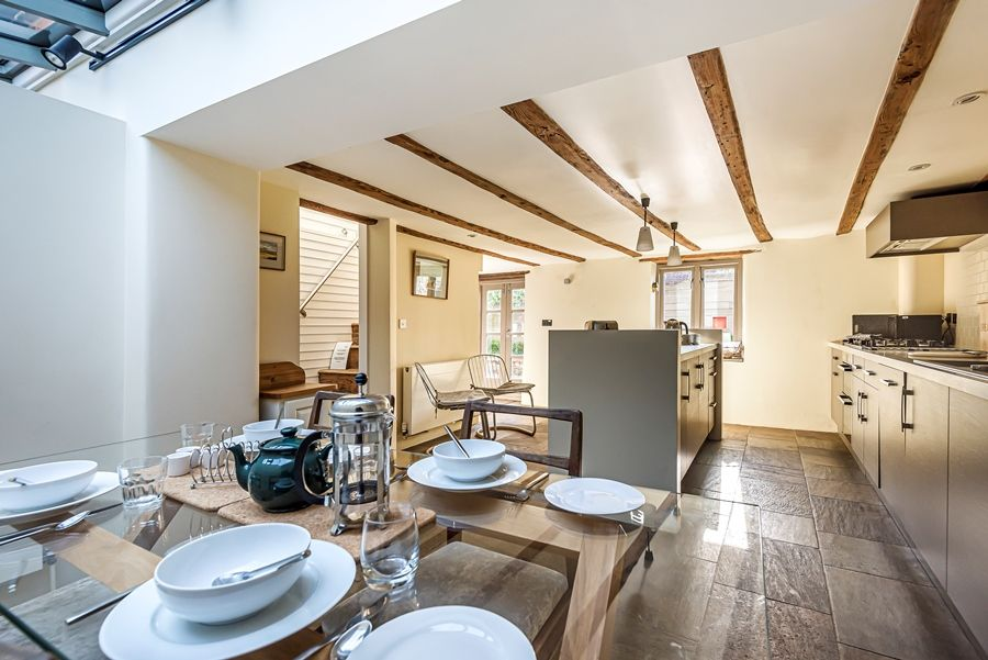 Oak Cottage | Kitchen and dining area