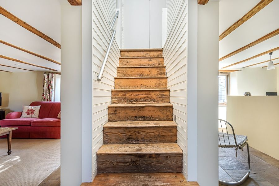 Oak Cottage | Central staircase