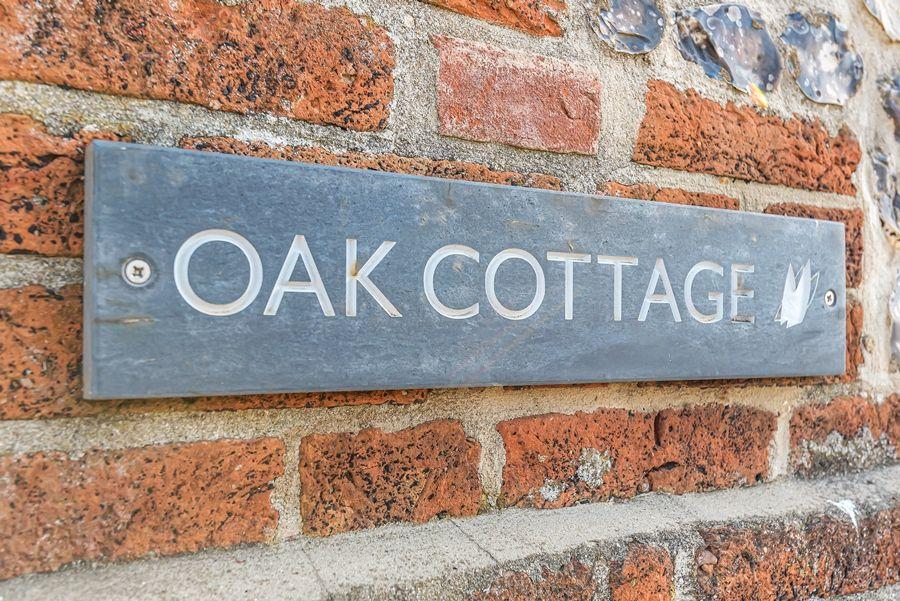 Oak Cottage | Cottage sign