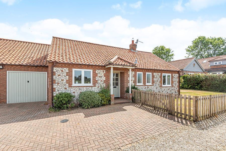 Field Cottage in Brancaster Staithe | Front with ample parking