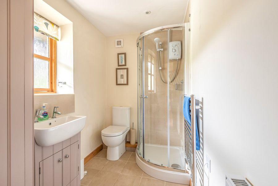 Western Cottage | Shower room