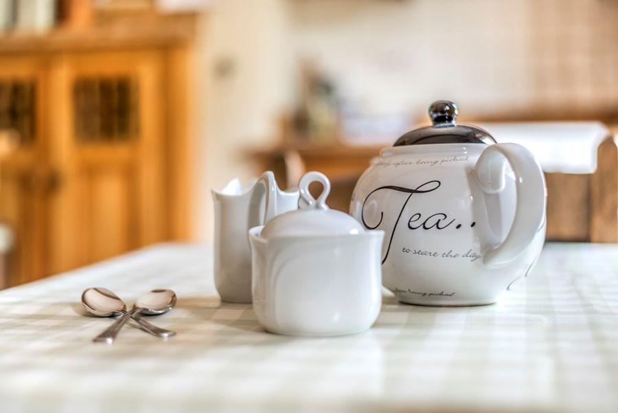 Western Cottage | Teatime