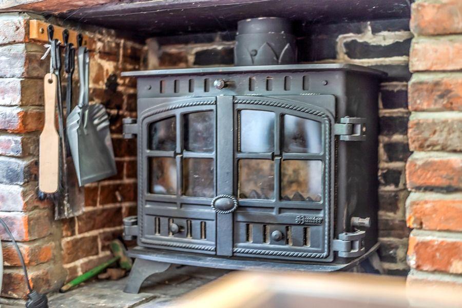 Western Cottage | Wood burning stove