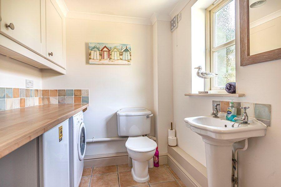 Hope Cottage in Docking | Cloakroom/utility