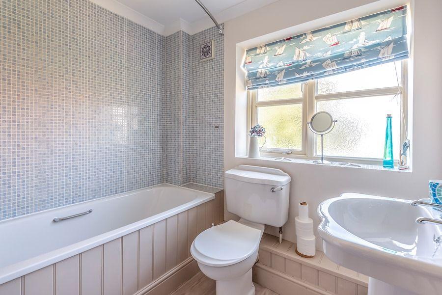 Hope Cottage in Docking | Bathroom