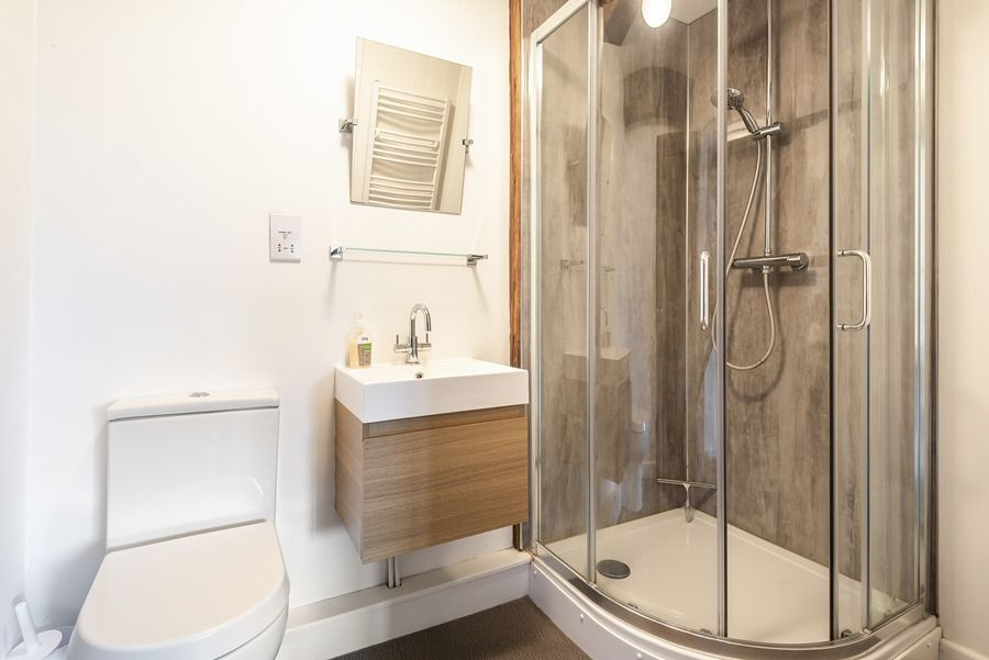 Old Barn | En-suite shower