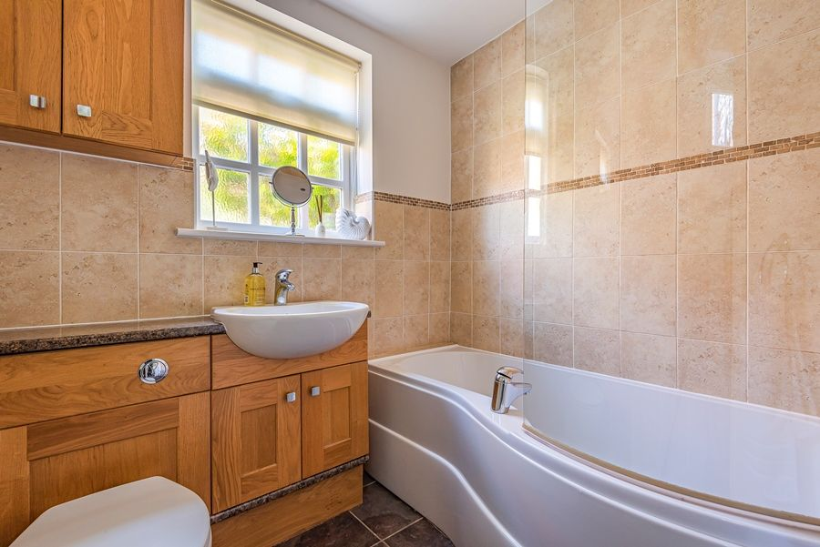 Nelson Cottage | Bathroom