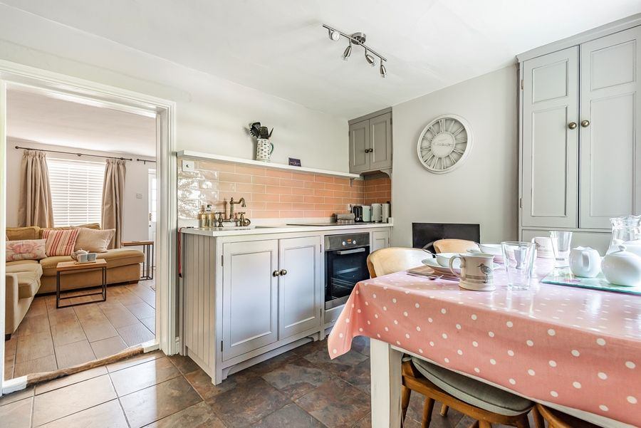 Nelson Cottage | Kitchen thro to sitting room