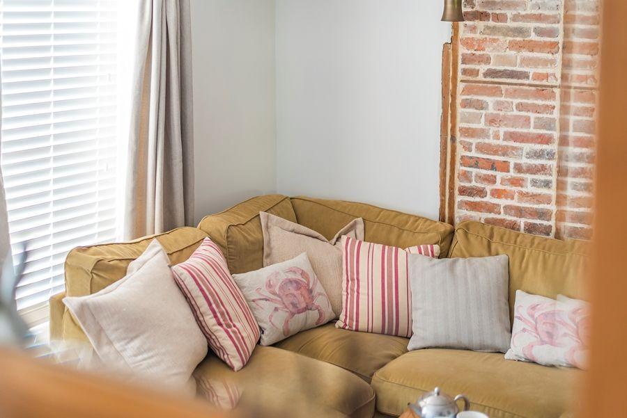 Nelson Cottage | Sofa