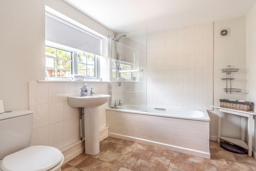 Rose Cottage Brancaster Staithe | Bathroom