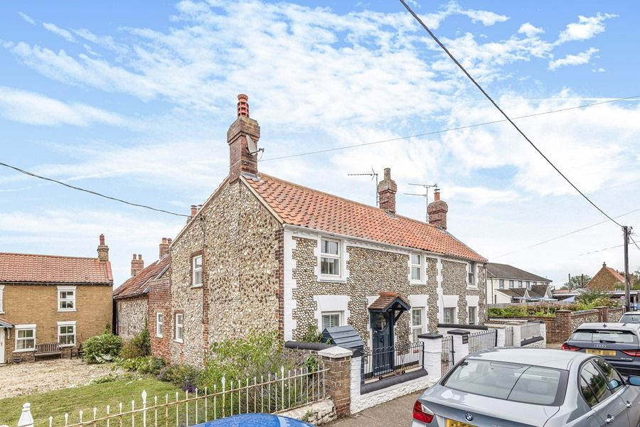 Dolphin Cottage Brancaster Staithe | Front