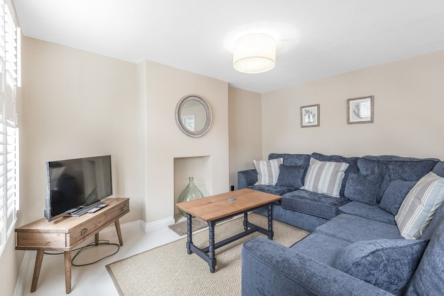 Dolphin Cottage Brancaster Staithe   Sitting area