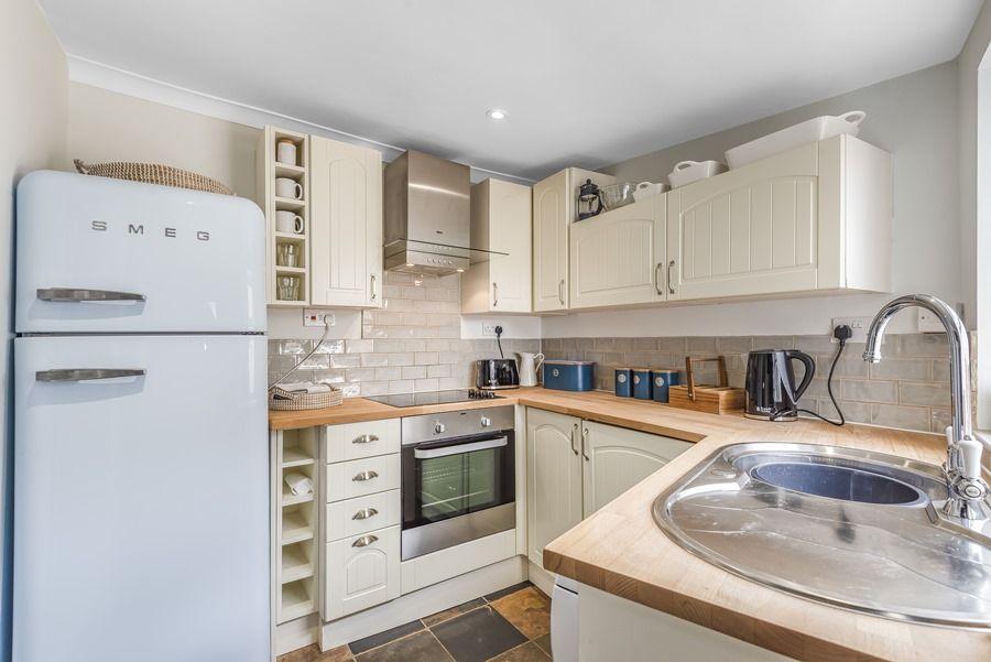 Dolphin Cottage Brancaster Staithe   Kitchen
