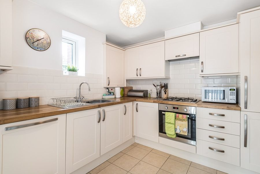 2 Smugglers Cove | Kitchen
