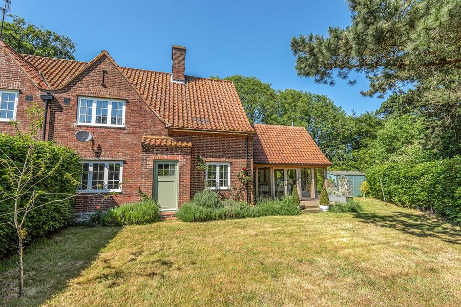 East Cottage   Back garden