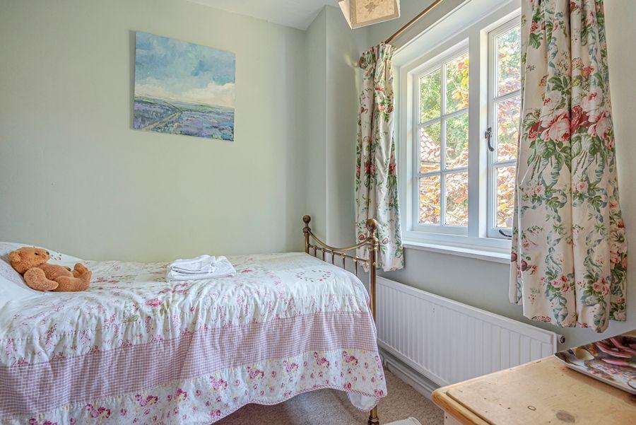 East Cottage   Bedroom 4