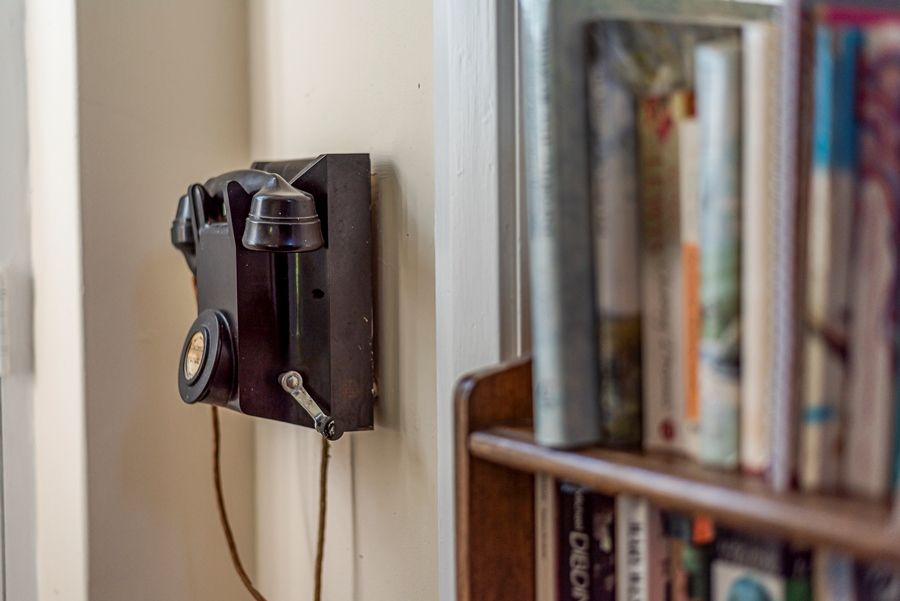 East Cottage | Vintage phone!