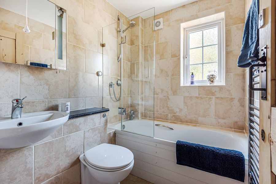 Samphire Cottage | Bathroom