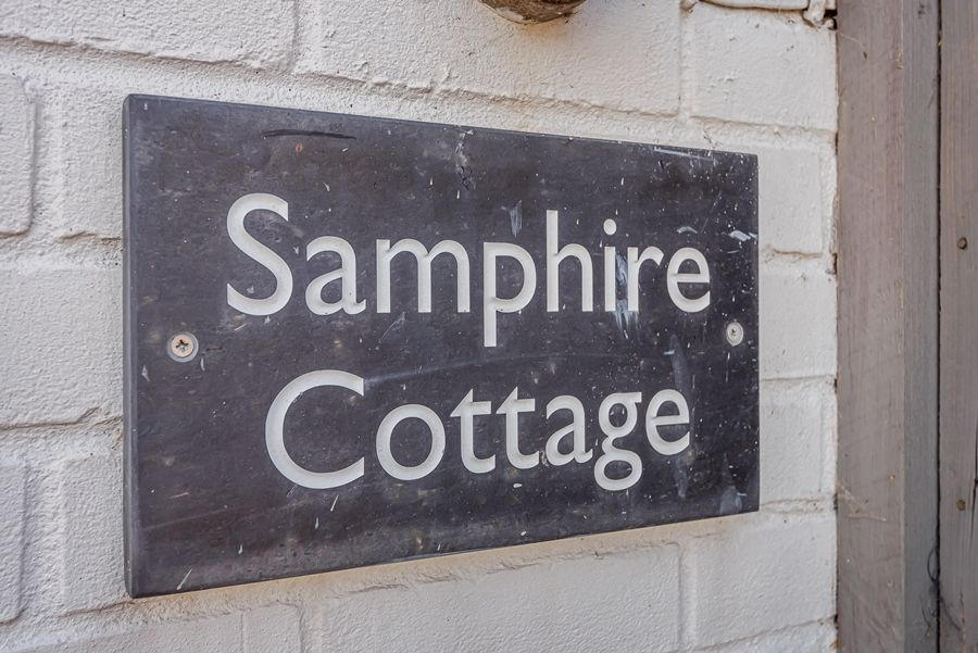 Samphire Cottage | House sign