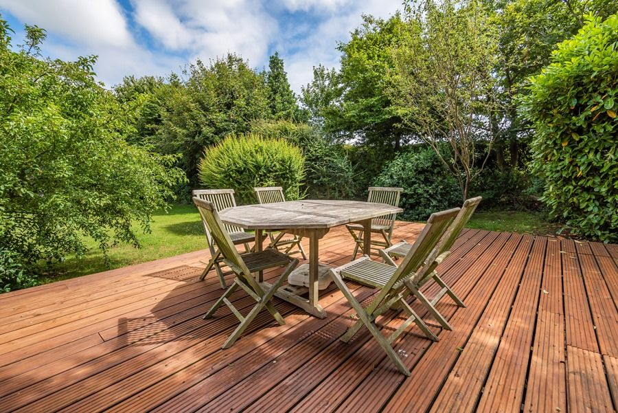 Crowberry Barn | Decked area