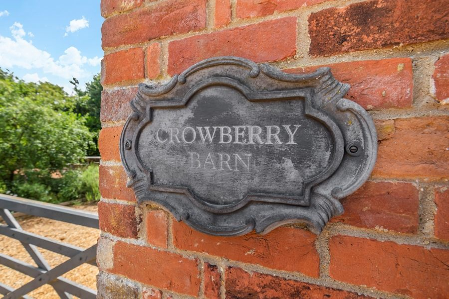 Crowberry Barn | House sign