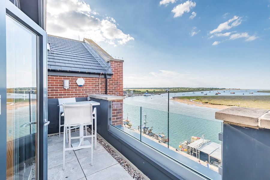 Peewits Penthouse | Front balcony with view