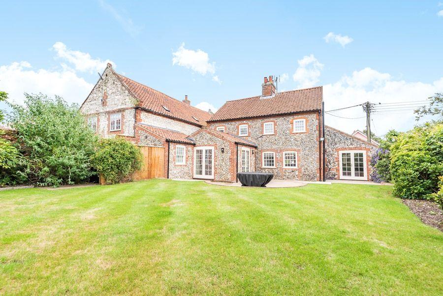 Rosemary House | Back garden