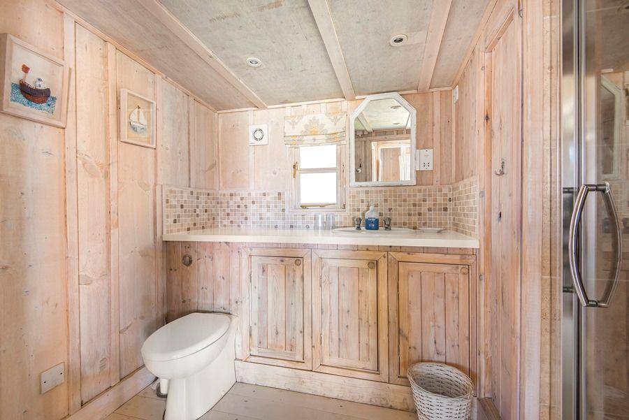 Flagstaff Garden House | Shower room