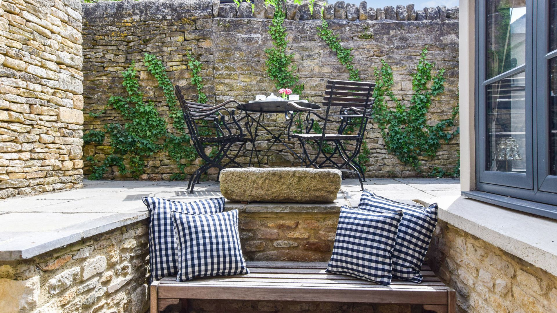 Patio seating area, Brown's Cottage, Bolthole Retreats