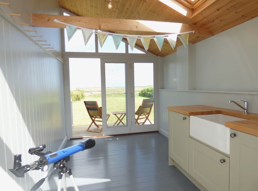 Dolphin Cottage Brancaster Staithe | Inside the hut