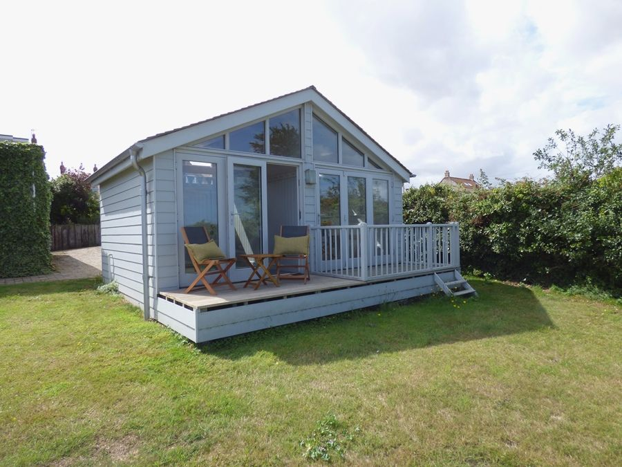 Dolphin Cottage Brancaster Staithe | The Hut