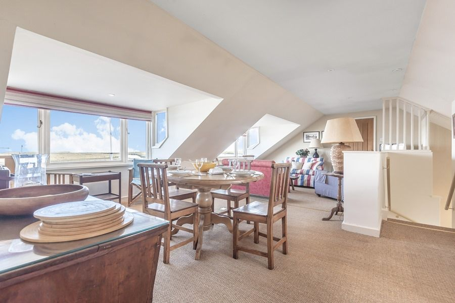 Flagstaff Boathouse | Living area