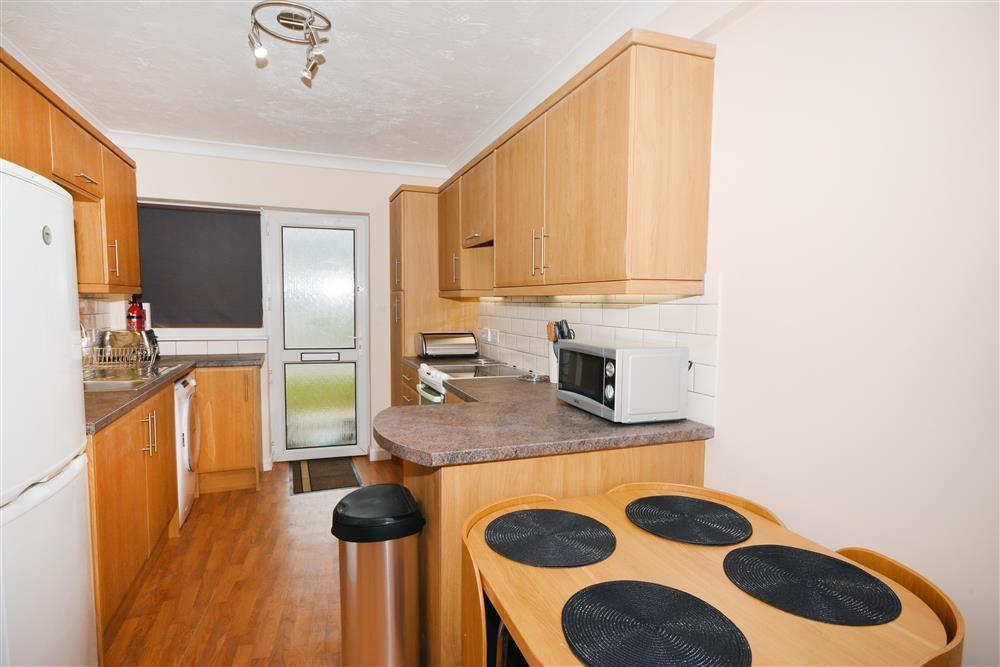 Rosemullion E8 - Kitchen & Dining