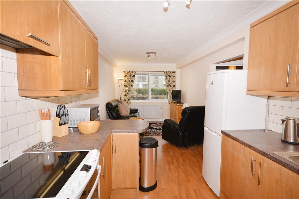 Rosemullion E8 - Living Area