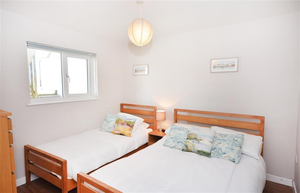 Ammonite Surf - Main Bedroom