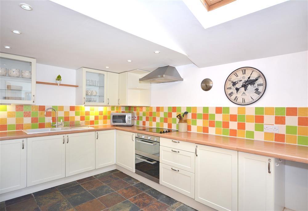 Coastguard Cottage - Kitchen