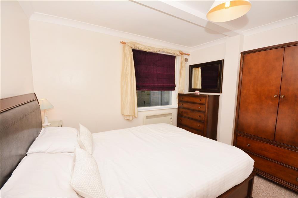 Droskyn Castle 1 - Double bedroom