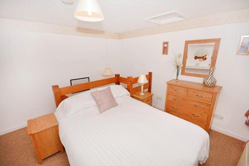 Fishermans Cottage - Bedroom