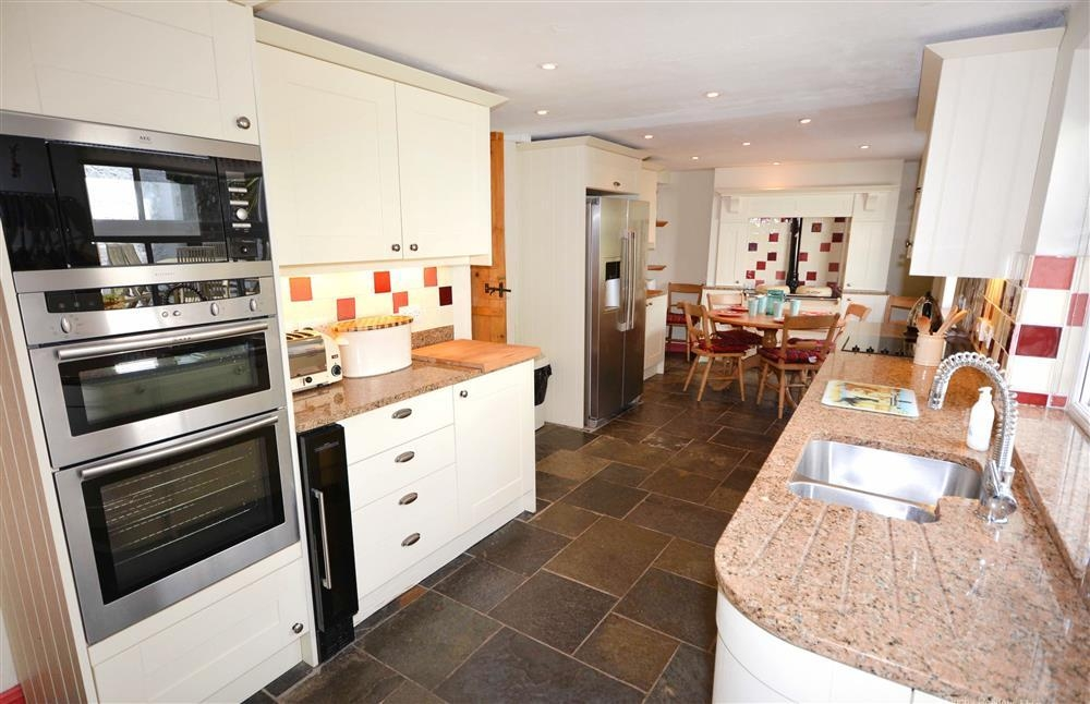 Gargoyle Cottage - Kitchen