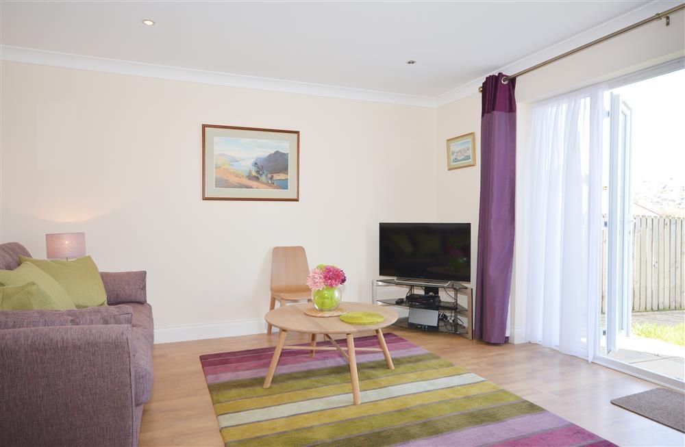 4 Nampara Row - Lounge