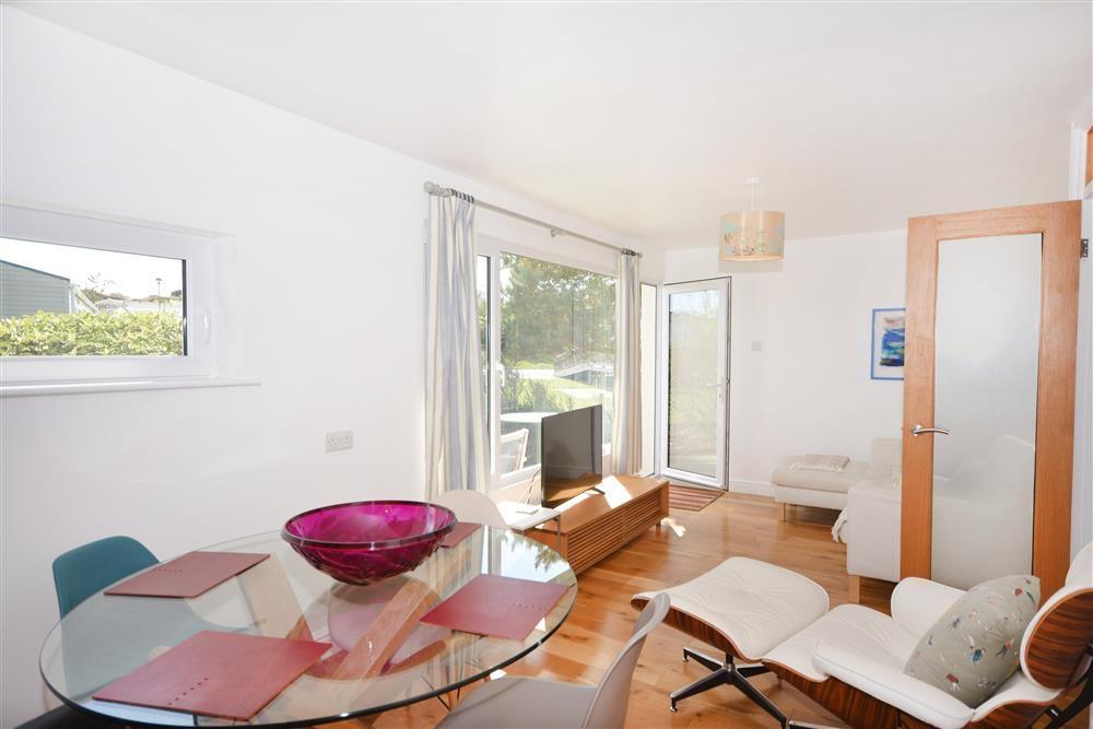 Perran Sands 69 - Living Area
