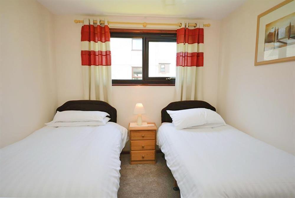 Perran View 80 - Twin Bedroom 1