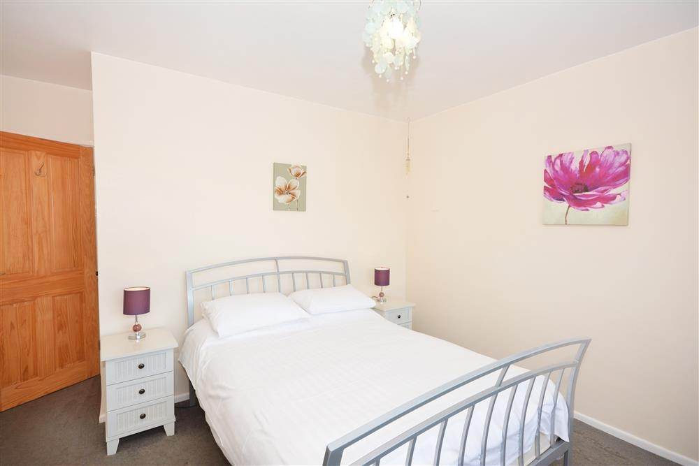 Sand Bay 1 - Double bedroom