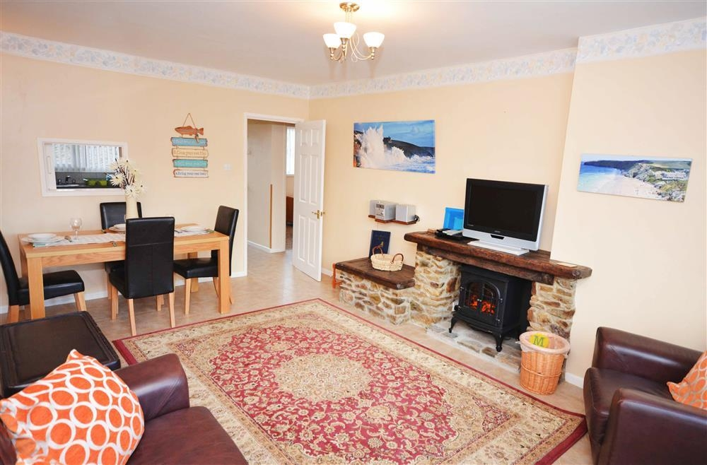 Sand Bay 2 (White Waves) - Living Area